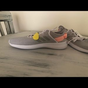 NWT Adidas CF QTFLEX Running shoes